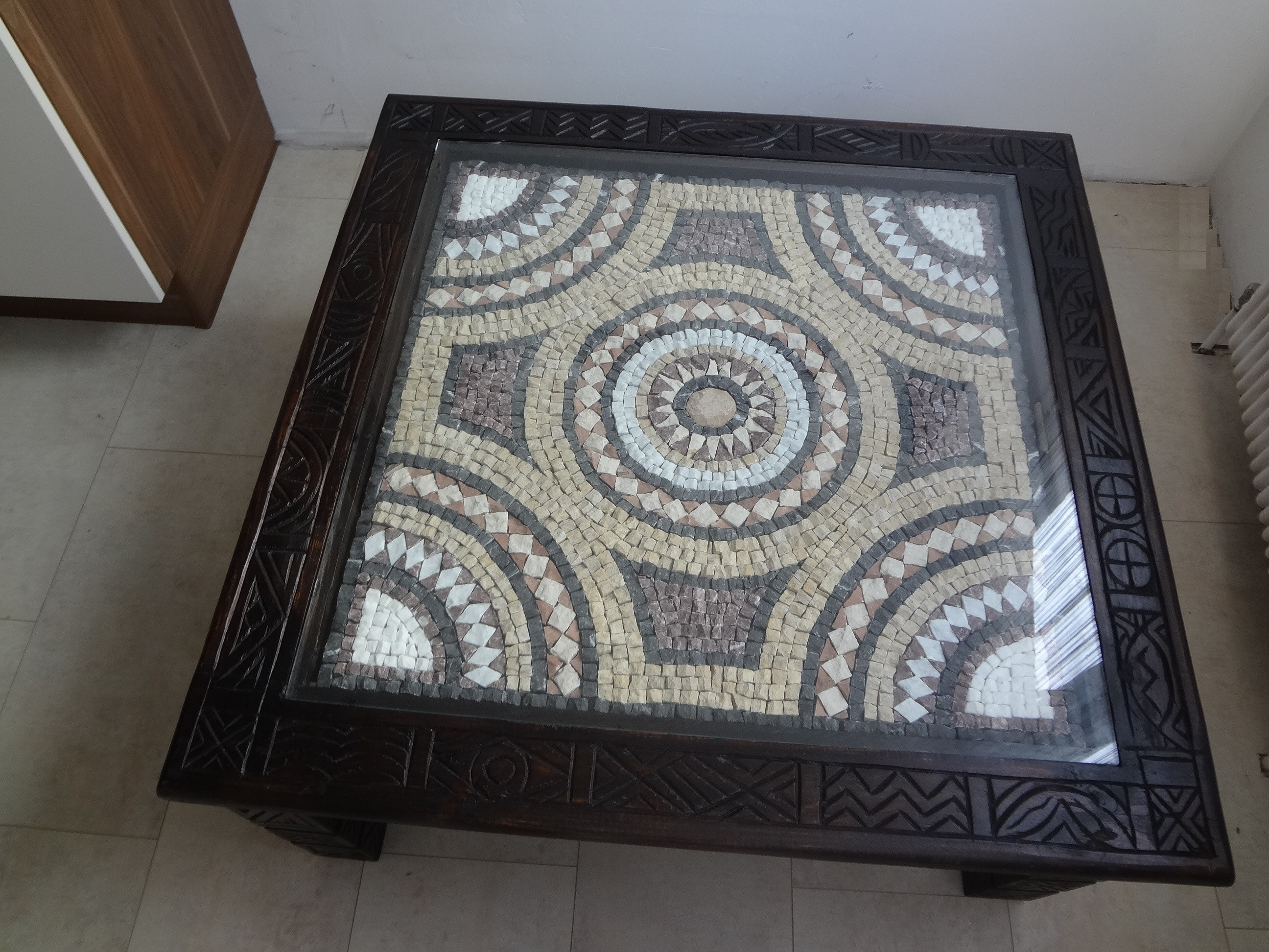 Couchtisch mit Mosaik