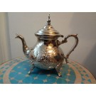 Große antike Teekanne, Silber